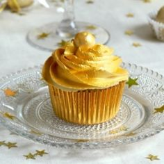 These White Chocolate Champagne Cupcakes frosted with Whipped White Chocolate Champagne Ganache are perfect for any occasion!