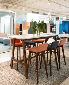 The Agent High table is adaptable to your space, available to your space, available in variety of height, sizes and finish.