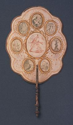 Antiguo abanico de papel pintado a mano,proveniente de Italia,siglo XVIII