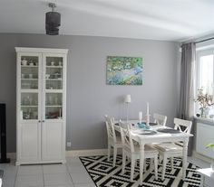 Use a statement rug to visually separate your dining area from kitchen in an open-plan room | Patti's home, Poland