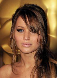 Sexy Jennifer Lawrence's Messy yet Formal Style