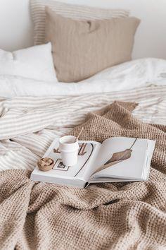 Home Interior Salas .Home Interior Salas Bedroom Inspo, Home Bedroom, Bedroom Decor, Bedroom Ideas, Bedroom Signs, Bedroom Apartment, Wall Decor, Interior Minimalista, Decoration Inspiration