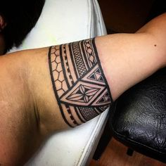 95 Significant Armband Tattoos Meanings And Designs 2019 Maori Tattoo Arm, Tribal Forearm Tattoos, Bicep Tattoo, Samoan Tattoo, Hand Tattoos, Armband Tattoo Meaning, Tribal Armband Tattoo, Armband Tattoos, Armband Tattoo Design