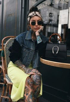 Neon skirt with a denim jacket Outfits Mujer, Tomboy Outfits, Emo Outfits, Dance Outfits, Cute Outfits, School Outfits, Punk Rock Fashion, Lolita Fashion, Neon Skirt