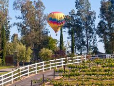 18 Towns in Southern California with Amazing Scenery From the beautiful SoCal beaches to the handsome towering mountains, it's quite possible to find every town in Southern California equally stunning.