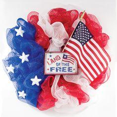 Deco Mesh Patriotic Wreath #decomesh  #patriotic #usa #4thofjuly #craft