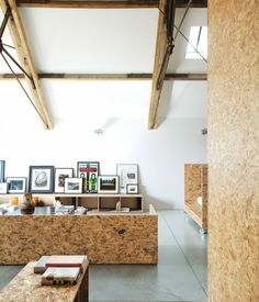 Made From Pressed Tree Chippings And Resin, Oriented Strand Board Is Strong  And Durable And Makes A Bold Design Statement. Photo By . Architecture By  Carl ...
