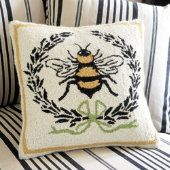 charming Bee pillow
