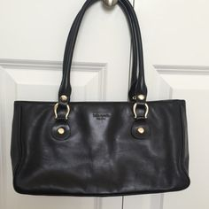Kate spade black purse In good condition Kate spade black purse! Has some wear on the bottom! kate spade Bags Shoulder Bags