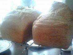 Kenyér 1. változat   25-30x10-12 cm formához való tészta, amiből két adagot szoktam ebből egyszerre csinálni.   270 ml langyos folyadék(víz... Baked Potato, Pizza, Potatoes, Baking, Ethnic Recipes, Food, Bakken, Eten, Bread