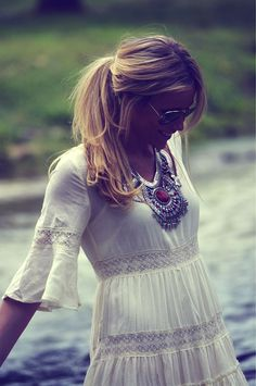 Boho chic, gypsy style, modern hippie fashion. For the BEST in Bohemian trends FOLLOW http://www.pinterest.com/happygolicky/the-best-boho-chic-fashion-bohemian-jewelry-gypsy-/