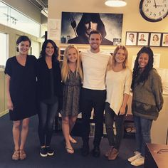 Oliver Queen Arrow, Arrow Cast, Fall Tv, Team Arrow, Emily Bett Rickards, Design Your Dream House, Stephen Amell, Green Arrow, Squad Goals