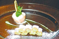 """""""Mezze maniche caramellate e farcite di pasta di mandorle al pistacchio con gelato al Vov"""" dello chef Andrea Galli  #lamadia #lamadiatravelfood #food"""