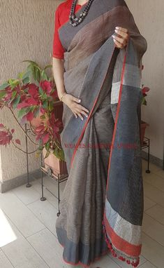Grey and red saree weaves & hues by aparna Whatsapp Formal Saree, Casual Saree, Indian Dresses, Indian Outfits, Moda Indiana, Simple Sarees, Trendy Sarees, Grey Saree, Saree Jewellery