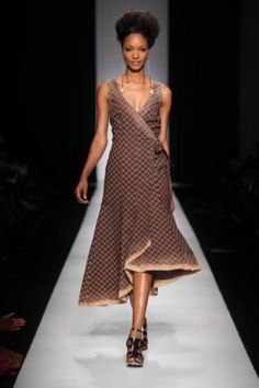 I adore traditional african fashion 1250898047 African Inspired Fashion, African Print Fashion, Africa Fashion, Ethnic Fashion, Fashion Prints, Womens Fashion, Fashion Design, Fashion Styles, South African Traditional Dresses