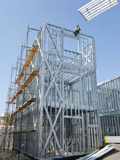 Cold formed sections of steel framing of walls. 10 things you should have know before you started the project Steel Frame House, Steel House, Metal Building Homes, Building A House, Construction Container, Diy Wooden Shelves, Steel Framing, Building Concept, Architecture Board