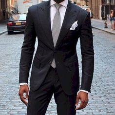 We love suits so much that we dedicate this board to incredible styles and icons… Black Suit Blue Shirt, Black Suit Men, Black Tie, Gentleman Mode, Gentleman Style, Mode Masculine, Sharp Dressed Man, Well Dressed, Business Outfits