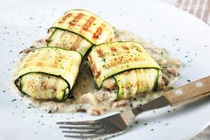 ok can't read this recipe, but wrapping fish with zucchini and grilling is a great idea!