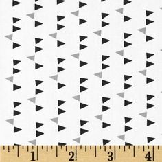 Art Gallery Minimalista Confetti Noir from @fabricdotcom  From Art Gallery, cotton print is perfect for quilting, apparel and home decor accents. Colors include black, grey, and cream.
