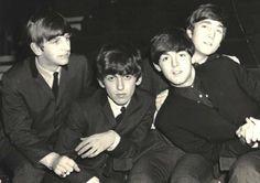 The Beatles, John Lennon, Paul McCartney, George Harrison, Ringo Starr Beatles Love, Les Beatles, Beatles Photos, Beatles Guitar, John Lennon, Ringo Starr, George Harrison, Great Bands, Cool Bands