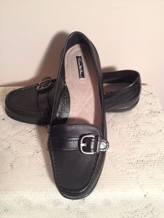 THOM McAn Gwyn Black Leather Loafers Womens Slip On Shoes Size 9.5W EUC #ThomMcAn #LoafersMoccasins