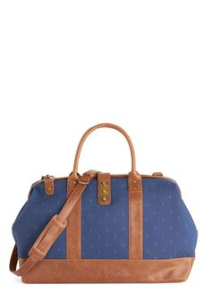 The Scenic Commute Weekend Bag in Smooth Sailing. Bask in the delightful scenery of this charming weekend bag! #blue #modcloth