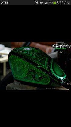Custom Motorcycle Paint Jobs, Custom Paint Jobs, Car Paint Colors, Motos Harley Davidson, Candy Paint, Custom Tanks, Helmet Paint, Bobber Bikes, Motorcycle Tank