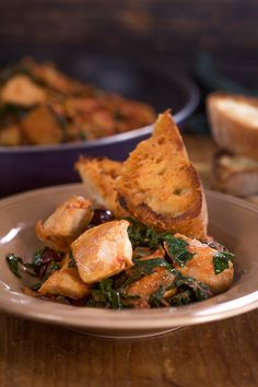 Quick and easy chicken with olives, capers and kale. A dinner recipe that can be made in 30 minutes.