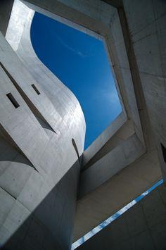 Fundação Iberê Camargo | Álvaro Siza | Porto Alegre, Brasil #skyspaces #sky #light #architecture