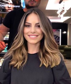 Hair is an important material primarily composed of protein, notably keratin. Hair care is your hair type. Your hair goals. Your favorite hair color Here you find all the possible methods to have perfect hair. Brown Hair Balayage, Hair Color Balayage, Bronde Balayage, Honey Balayage, Sombre Hair, Balyage Short Hair, Babylights Brunette, Ashy Brown Hair, Balayage Hair Brunette With Blonde