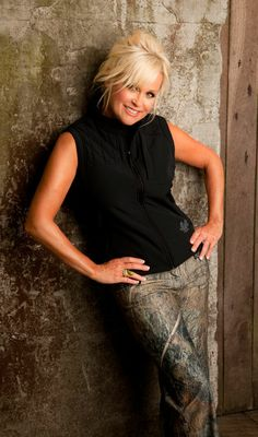 She could sing for me anyday too. Country Female Singers, Country Western Singers, Country Music Artists, Best Country Music, Country Music Stars, Country Women, Country Girls, Lorrie Morgan, Blonde Jokes