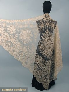 Beautiful !!! BRUSSELS LACE WEDDING VEIL, 1860-1870 sold for $6900.