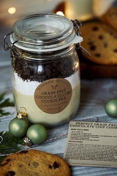 Grain-free Chocolate Chip Cookie Mix in a Jar {Gluten-free, Paleo + Vegan} - Tasty Yummies Chocolate Chip Cookie Mix, Dark Chocolate Chips, Gluten Free Cookies, Gluten Free Recipes, Gf Recipes, Healthy Recipes, Grain Free, Dairy Free, Grass Fed Butter