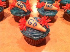 Cheerleader Pom Pom megaphone cupcakes
