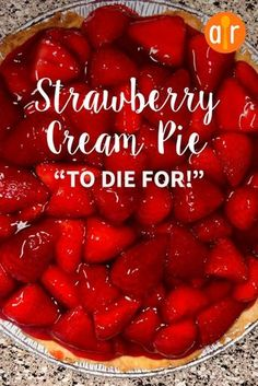 Strawberry Cream Pie To Die For - Essen - Torten Köstliche Desserts, Pie Dessert, Summer Desserts, Sweet Desserts, Strawberry Cream Pies, Strawberries And Cream, Big Boy Strawberry Pie Recipe, Strawberry Pie Recipes, Recipes