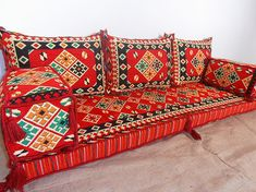 Traditional Middle-Eastern kilim floor seating sofa set with cushion covers - MA 46 Floor Couch, Floor Cushions, Chair Cushions, Chair Pads, Diy Sofa, Sofa Furniture, Living Room Furniture, Furniture Stores, Furniture Online