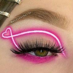 Dope Makeup, Edgy Makeup, Eye Makeup Art, Pink Makeup, Crazy Makeup, Eyeshadow Makeup, Gloss Eyeshadow, Eyeshadow Palette, Lip Gloss