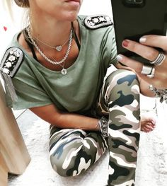 Body Chain Jewelry, Body Chains, Leggings, Casual Looks, Dog Tag Necklace, Lazy, Fantasy, Chic, My Style