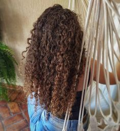 🦁✨ . . . . . . . . . . #curlygirl #cacheadabr #instaoftheday #cachoslongos #cachosinlove #cachospinterest Like A Lion, Curly Girl, Dreadlocks, Nails, Hair Styles, Beauty, Curls, World, Finger Nails