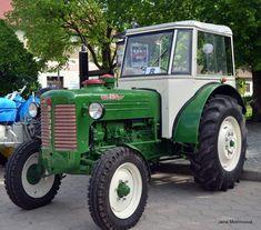 Porsche, Vehicles, Vintage, Tractors, Tractor, Memories, Car, Vintage Comics, Porch