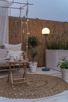 Outdoor Spaces, Outdoor Living, Outdoor Decor, Scandinavian Garden, Balkon Design, Decks And Porches, Terrace Garden, Garden Styles, Garden Inspiration