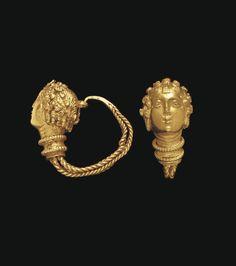 A PAIR OF GREEK GOLD MAENAD EARRINGS -  HELLENISTIC PERIOD, CIRCA 3RD-2ND CENTURY B.C.