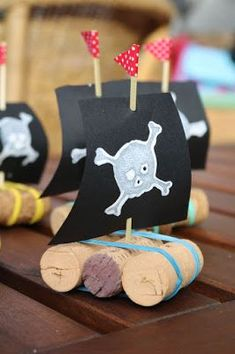 My green meadow: Ella& Pirate Festival (games, handicrafts and gifts) - - Pirate Party Games, Pirate Activities, Pirate Theme, Activities For Kids, Pirate Birthday, Third Birthday, Festival Games, Pirate Kids, Manualidades Halloween