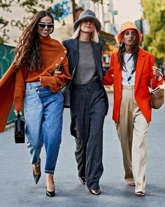 We went ahead and rounded up bucket hats that are completely stylish and won't wear down your look at all. Fashion Models, Girl Fashion, Womens Fashion, Fashion Trends, Fashion Hats, Fashion Edgy, Fashion Watches, Outfits With Hats, Paris Fashion