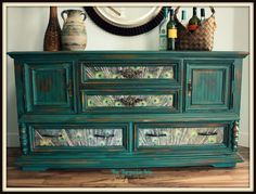 The Turquoise Iris ~ Vintage Modern Home: Is it Teal? Or Emerald?