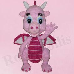 Taja ist eine süsse rosa Drachendame. Sie speiht kein Feuer, sie ist absolut handzahm:)Durch ihre Größe wirkt sie sehr imposant, aber sie ist ein absoluter Kuscheldrache.Ich hoffe Ihr schließt...