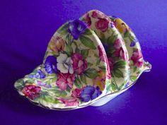 Royal Winton 2 slice toast rack in Sweetpea Pink Dishes, Sweet Pea Flowers, Toast Rack, Breakfast Set, Kent England, Egg Cups, Pretty Art, Vintage Kitchen, Tea Time