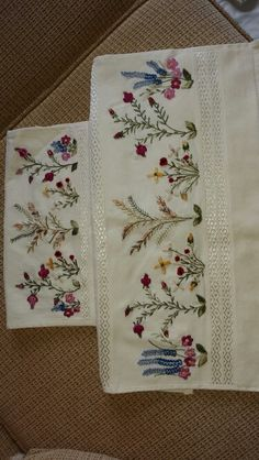 Havlu Lace Embroidery, Machine Embroidery, Embroidery Designs, Applique Patterns, Stitch Patterns, Nursery Crafts, Linen Towels, Embroidered Flowers, Needlepoint