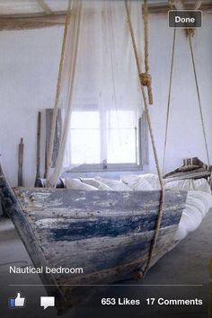 Awesome nautical bedroom - so idealy calm and what a bed .. Perfect!