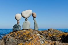 """""""We Are Family"""" - temporary rock sculpture by Peter Juhl Pebble Stone, Pebble Art, Stone Art, Stone Balancing, Rock Sculpture, Stone Sculptures, Stone Cairns, Balanced Rock, Balance Art"""